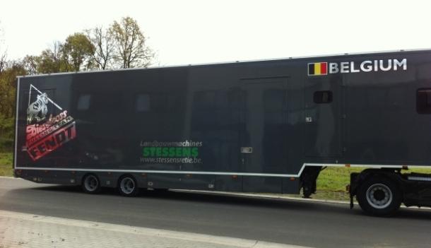 Chromé belettering trailer