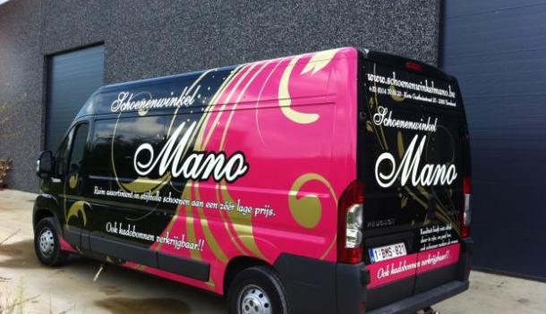 Voor schoenenwinkel Mano deden wij  zowel het reclameontwerp als uitvoering